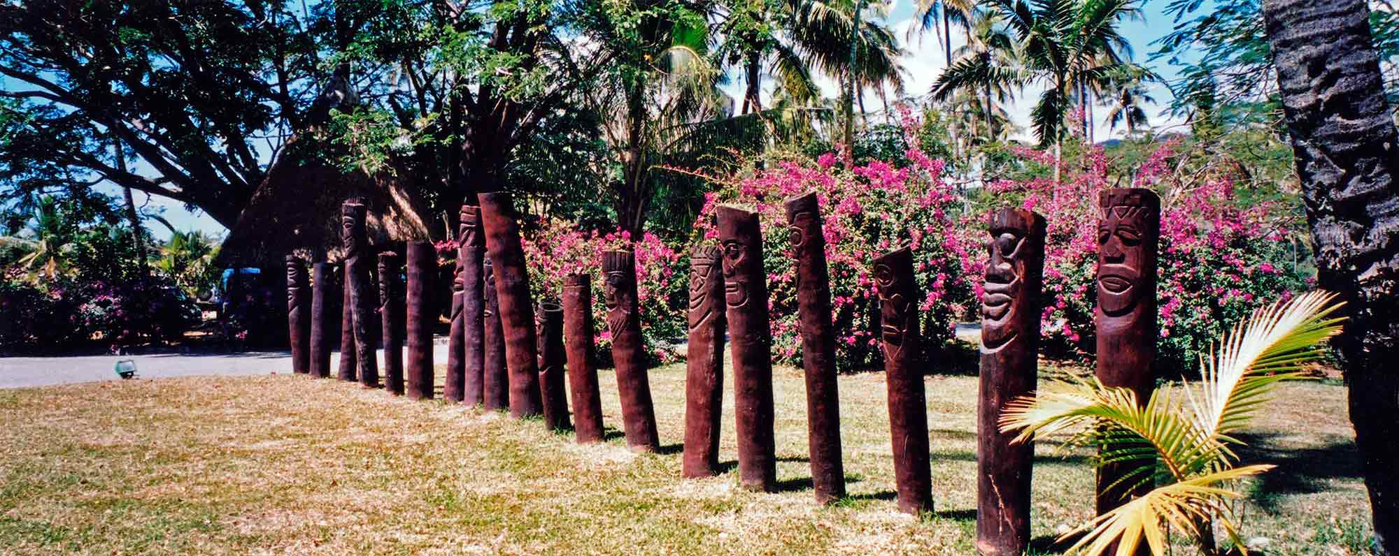 Alignements de totems en Nouvelle Calédonie